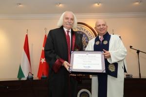 Ankarai_egyetem_diszdoktorra_avatas.jpg